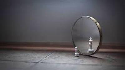 حرکت از خودبزرگ بینی و خود کوچک بینی به سمت واقع بینی